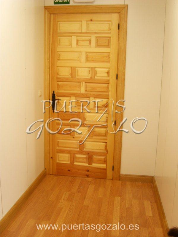 Puertas de interior madera maciza puertas gozalo for Puerta castellana pino