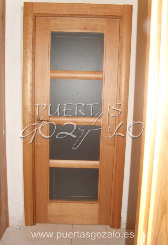 Puertas modernas de vidrio imagui for Puertas de madera con vidrio modernas