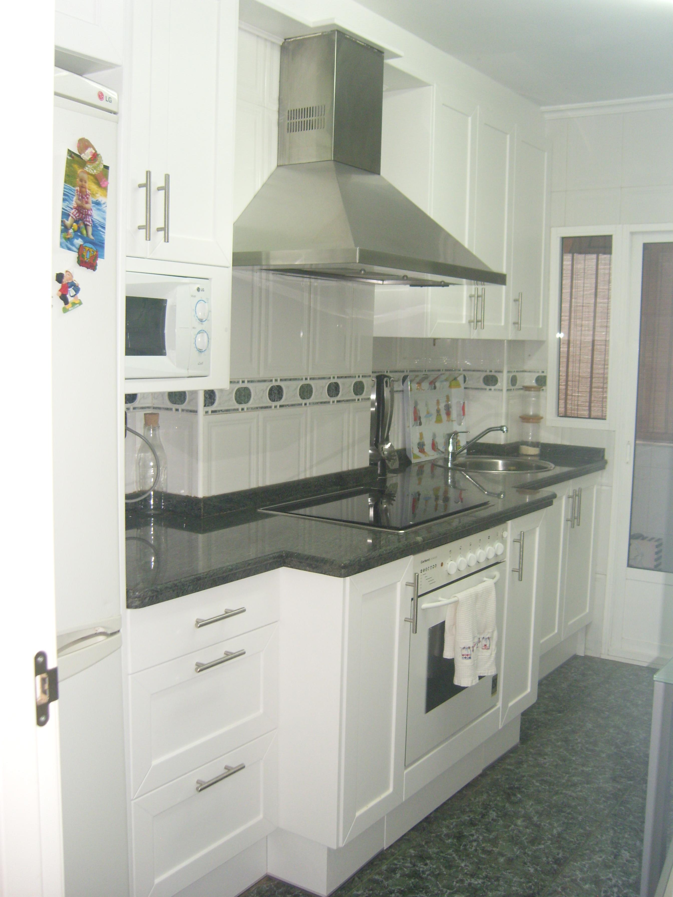 Cocinas, Mesas, sillas. Muebles baño. » Puertas Gozalo