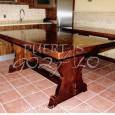 Mesa de bodega en madera de pino. Tapa de 65 mm. Dtes medidas.
