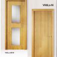 Puerta lisa veta vertical con dos + dos  grecas verticales.