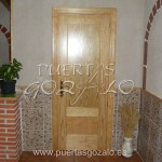 Puerta dos cuadros sin relieve en pino