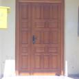 Puerta de entrada plafonada